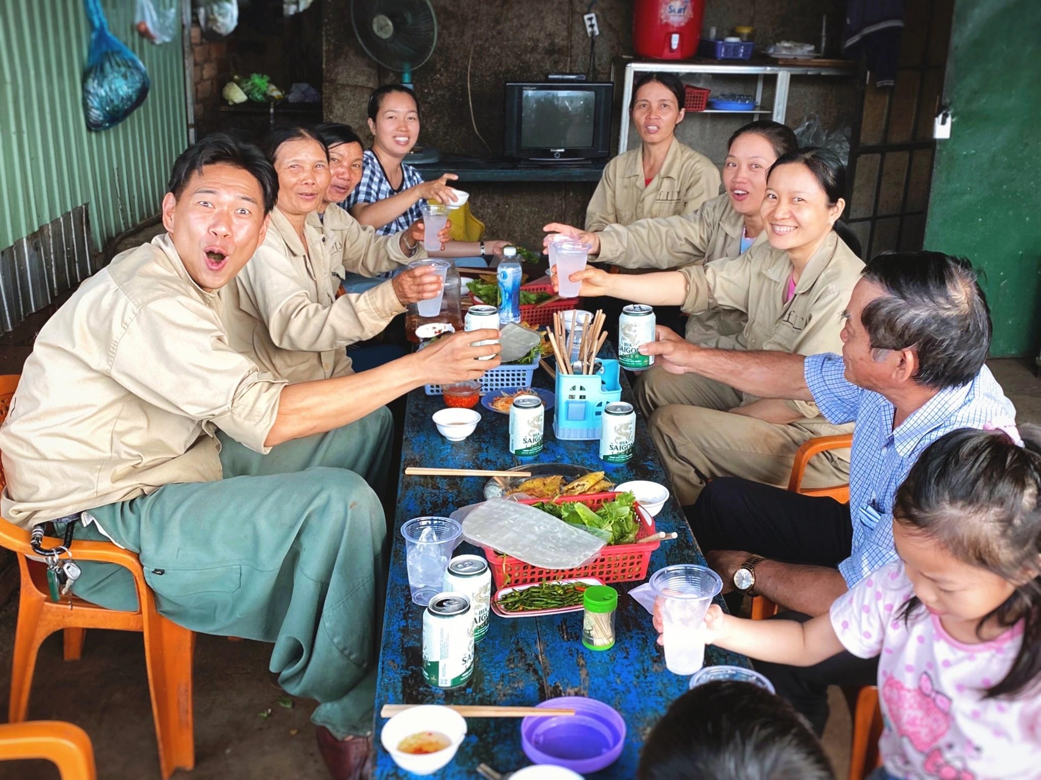 ベトナムの会社訪問時に歓迎会開催。
